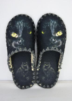 Тапочки фетровые черные кошки