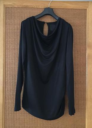 Кофта-блуза шикарного вигляду з вирізом-капелька на спинці