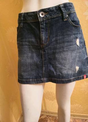 Джинсовая юбка, размер М.