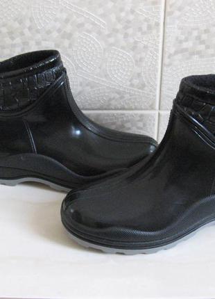 Резиновые сапоги на слякоть в наличии утепленные, черные