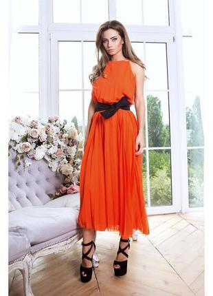 Роскошное шифоновое платье в пол с открытыми плечами
