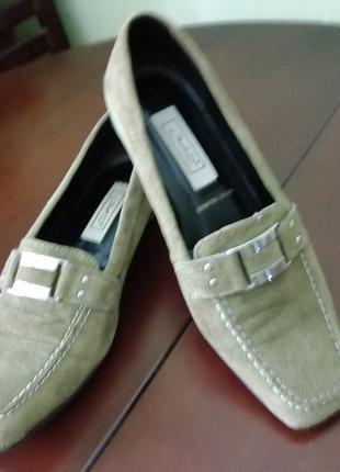 Туфли замшевие оливкового цвета