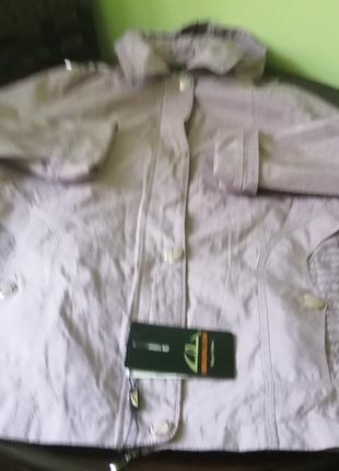 Ветровка с капюшеном новая светло-сиреневого цвета