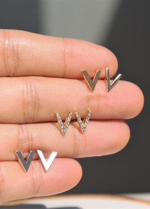 Сережки v серебряные гвоздики