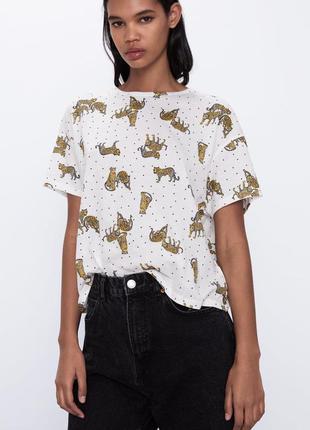 Молочная футболка в леопардах zara