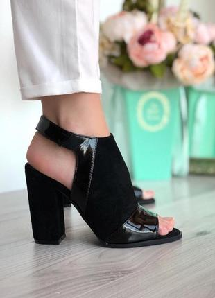 Черные босоножки на каблуке, эко-замш