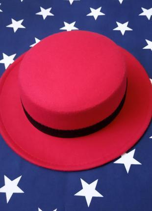 Шляпа женская канотье красная с лентой