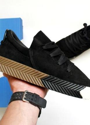 Замшевые мужские демисезонные кроссовки топ качества adidas vang.