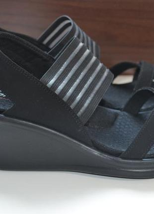 Skechers 37-38р босоножки, сандалии,  на танкетке