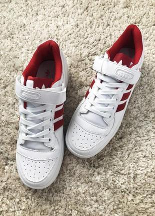 Мужские кроссовки adidas forum mid white red.