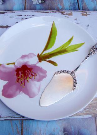 Лопатка для торта Хильдесхаймская роза. Серебрение 100, Клеймо.