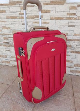 Маленький турецкий чемодан на двух прорезиненных колёсах фирмы CC