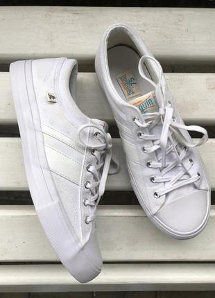 Белые мужские кеды кроссовки