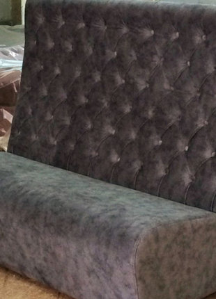 Барный диван с высокой спинкой
