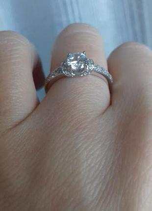 Серебряное кольцо с центральным камнем 5мм