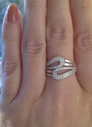 Красивое серебряное кольцо капля