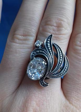 Серебряное кольцо с кубическим циркон