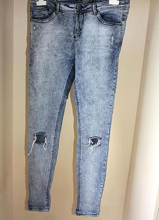 Вареные стрейчевые джинсы с порезами на коленях высокая посадк...
