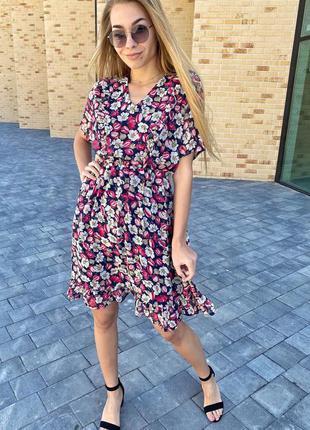Романтичное шифоновое платье с рюшами