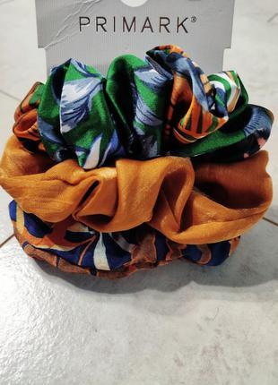 Набор красивых и ярких резинок, заколки для волос