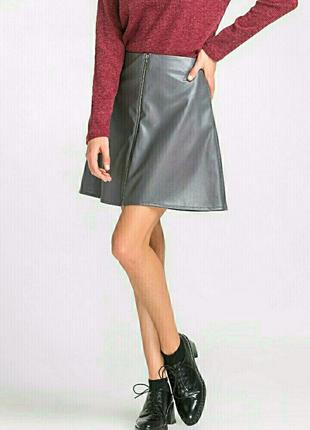 Графитовая юбка мини трапеция с молнией спереди кожаная спідниця