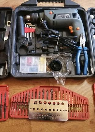 Набор инструментов. Дрель со свелами
