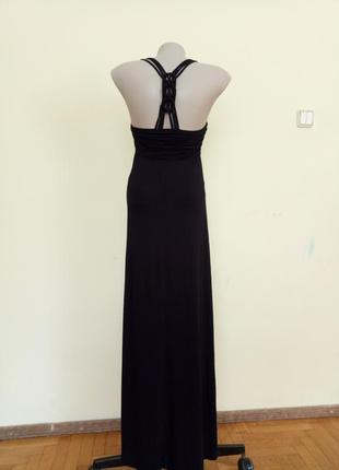 Шикарное длинное платье с открытой спиной