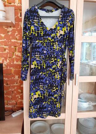 Вискозное с пояском платье большого размера