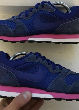 Продам спортивные кроссовки nike md runner 2 размер 38