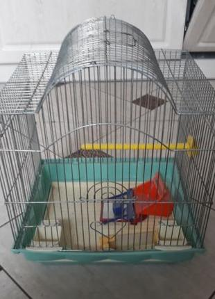 Клетка для попугая со всеми принадлежностями