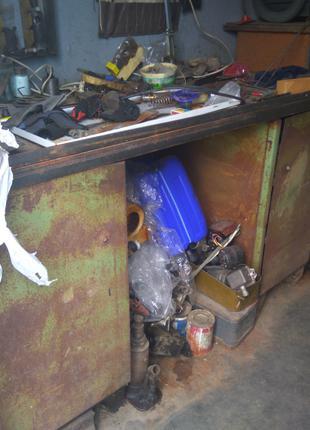 Верстак стол слесарный с тискамиПродам металлический шкаф (ящик)