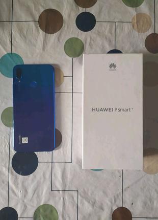 Продам телефон с чехлами Huawei P Smart Plus 2018
