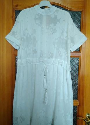 Интересное кружевное платье бренда cache-cache,р хл