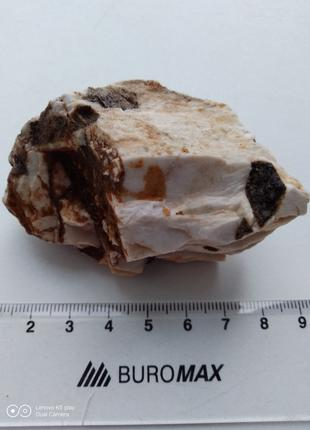 Белый ортоклаз