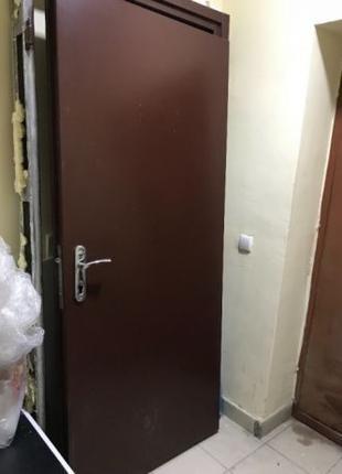 Двери входные 2500 грн металлические стальные бронидвери б\у Д...