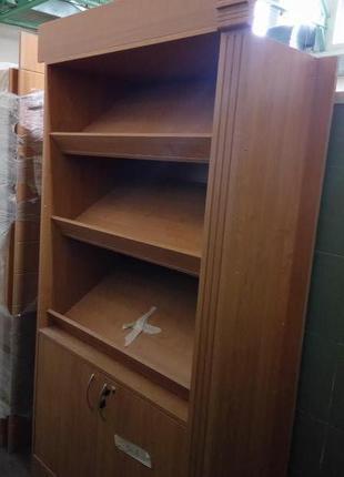 Стеллаж, шкаф в торговый зал