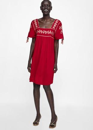 Насыщенное красное платье с вышивкой zara