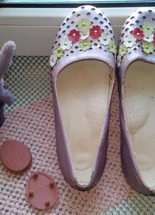 Туфли - лодочки для девочки 32 размер