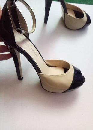 Женские туфли. 35 размер