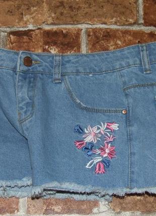 Джинсовые короткие шорты 11-12 лет вышивка и утяжка