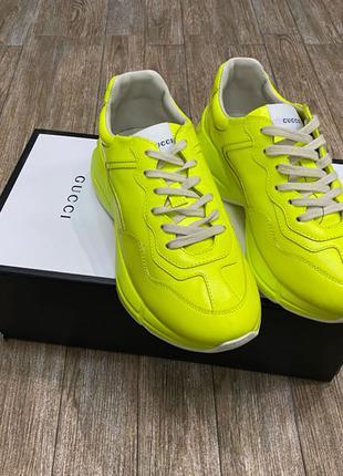 Женские кроссовки Gucci