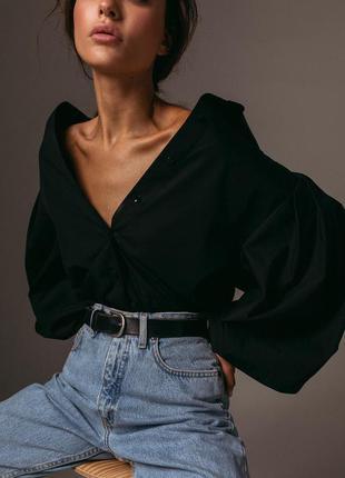 Черная рубашка с объемными рукавами
