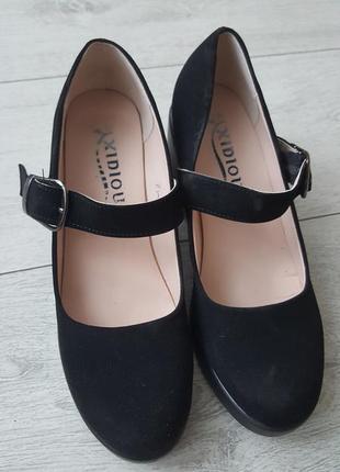 Милые туфли под замш на толстом каблуке