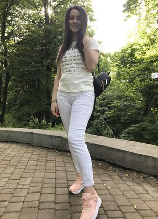 Белые джинсы-скинни