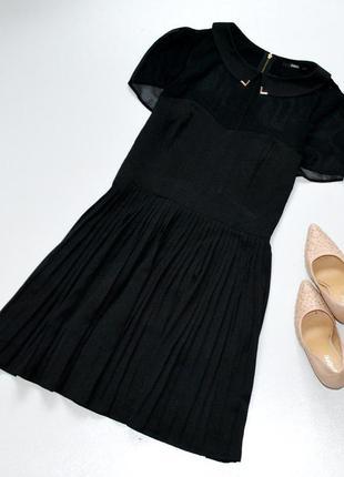 Очень красивое черное платье с юбкой плиссе молнией по спинке ...