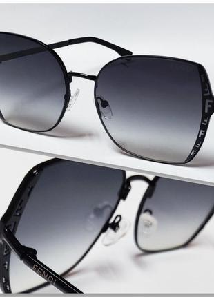 Шикарные женские солнцезащитные очки.