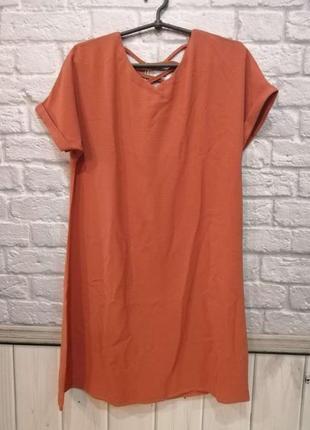 Женское укороченное платье свободного кроя. в комплекте с пояс...