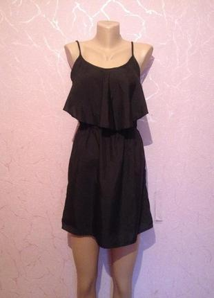 Легкое платье с воланом платье с рюшей на тонких брителях