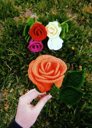 В'язані рози