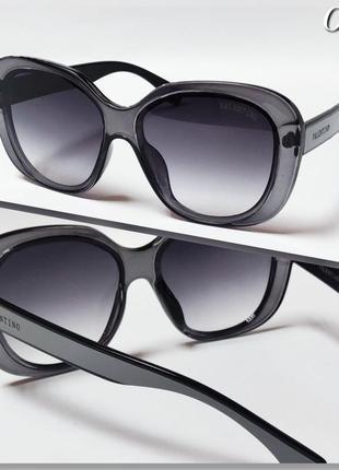 Очки солнцезащитные женские серые